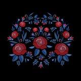 Broderad sammansättning av rosor blommar, slår ut och sidor Design för broderi för satänghäftklammer blom- på svart bakgrund royaltyfri illustrationer