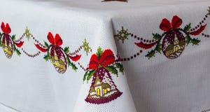 Broderad tablecloth Arkivbild