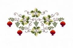 Broderidruva och röd granatrött med sidor Royaltyfri Foto