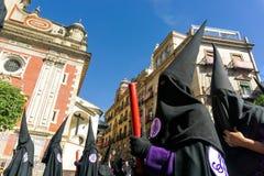 Broederschap in de Spaanse Heilige Weekoptochten in Sevilla, Spanje stock foto's