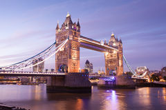 broengland london torn Royaltyfri Foto