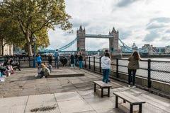 broengland london torn Arkivfoton