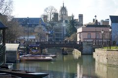 Brogatastakbåtar, Cambridge, England Royaltyfri Foto
