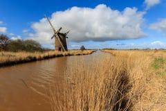 Brograve-Mühle-windpump Stockfoto