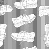 Brogues femelles pour des promenades de ressort illustration libre de droits