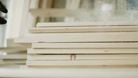 Brogujący drewniany sosnowy szalunek dla meblarskiej produkci i budowy zbiory