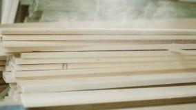 Brogujący drewniany sosnowy szalunek dla meblarskiej produkci i budowy zbiory wideo