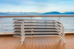 Brogujący holów krzesła, Lido statek wycieczkowy pokład, Wśrodku przejścia, BC, Kanada zdjęcia stock