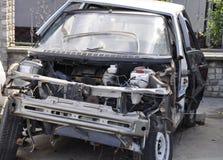broken bil bil efter kraschen kraschad bil Arkivfoto