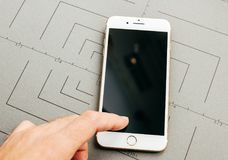 Free Broken Black Screen On IPhone 7 Plus The Application Software Royalty Free Stock Image - 99464286