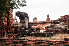 Broken Buddha staty Fotografering för Bildbyråer