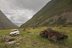 Broken cars near the pass Katu-Yaryk in the Altai Republic, Russ Royalty Free Stock Photos
