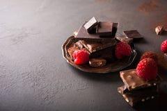 Broken chocolate pieces Royalty Free Stock Photos