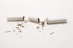 broken cigarett Royaltyfri Fotografi