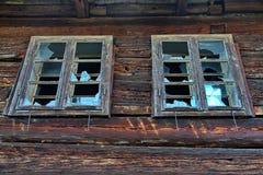 broken gammala fönster Fotografering för Bildbyråer