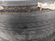 broken gummihjul Arkivbild