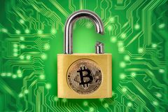 Free Broken Padlock With Bitcoin Logo Stock Images - 117576704