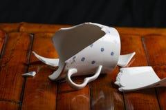 Broken tea cup Royalty Free Stock Photos