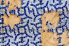 Broken tiled wall Royalty Free Stock Photos