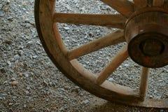 broken vagnhjul Arkivfoto