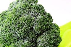 Brokkoli - gesunde Nahrung auf jeder Tabelle stockfotos