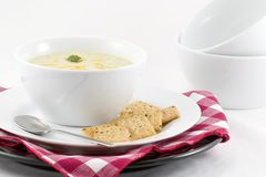 Brokkoli-Käse-Suppe   Stockbilder