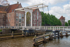 Brokorsning stadskanal i Zwolle Arkivfoto