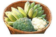 Brokuły, kalafior i banany odizolowywający na białym tle, fotografia stock
