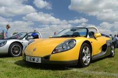BROMLEY, LONDON/UK - 7-ОЕ ИЮНЯ: ТОРЖЕСТВО BROMLEY ЕХАТЬ НА АВТОМОБИЛЕ Самая большая однодневная классическая выставка автомобиля стоковые фотографии rf