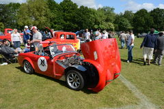 BROMLEY, LONDON/UK - CZERWIEC 07: BROMLEY widowisko automobilizm Duży jednodniowy klasyczny samochodowy przedstawienie w świacie! Zdjęcia Royalty Free