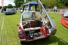 BROMLEY, LONDON/UK - CZERWIEC 07: BROMLEY widowisko automobilizm Duży jednodniowy klasyczny samochodowy przedstawienie w świacie! Zdjęcie Stock