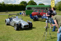 BROMLEY, LONDON/UK - 7 de junho REPRESENTAÇÃO HISTÓRICA de BROMLEY de VIAJAR DE AUTOMÓVEL A feira automóvel clássica de um dia a  Fotografia de Stock Royalty Free