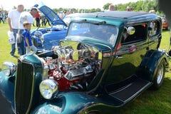 BROMLEY, LONDON/UK - 7 DE JUNHO: REPRESENTAÇÃO HISTÓRICA de BROMLEY de VIAJAR DE AUTOMÓVEL A feira automóvel clássica de um dia a Fotografia de Stock