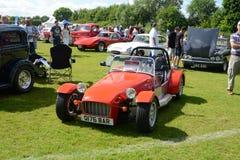 BROMLEY, LONDON/UK - 7 de junho REPRESENTAÇÃO HISTÓRICA de BROMLEY de VIAJAR DE AUTOMÓVEL A feira automóvel clássica de um dia a  Foto de Stock Royalty Free