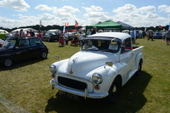BROMLEY, LONDON/UK - 7 DE JUNHO: REPRESENTAÇÃO HISTÓRICA de BROMLEY de VIAJAR DE AUTOMÓVEL A feira automóvel clássica de um dia a Imagens de Stock Royalty Free