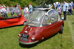 BROMLEY, LONDON/UK - 7 DE JUNHO: REPRESENTAÇÃO HISTÓRICA de BROMLEY de VIAJAR DE AUTOMÓVEL A feira automóvel clássica de um dia a Foto de Stock Royalty Free
