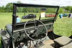 BROMLEY, LONDON/UK - 7 DE JUNHO: REPRESENTAÇÃO HISTÓRICA de BROMLEY de VIAJAR DE AUTOMÓVEL A feira automóvel clássica de um dia a fotografia de stock royalty free