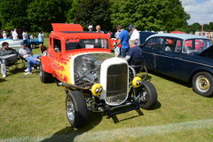 BROMLEY, LONDON/UK - JUNE 07 : BROMLEY PAGEANT of MOTORING. The biggest one-day classic car show in the world! June 07 2015 in Bro. Mley, London, UK Stock Photos