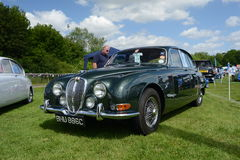 BROMLEY, LONDON/UK - JUNE 07 : BROMLEY PAGEANT of MOTORING. The biggest one-day classic car show in the world! June 07 2015 in Bro. BROMLEY PAGEANT of MOTORING Stock Images