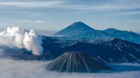Bromo和塞梅鲁火山 免版税库存照片