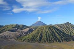 Bromo火山山在腾格尔塞梅鲁火山 免版税库存照片