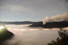 Bromo de bâti pendant l'éruption Image stock