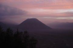 bromo nad zmierzchu wulkanem Java Zdjęcia Royalty Free