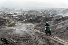 Bromo-up mit Motocross Stockfotos