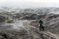 Bromo-up mit Motocross Stockfotos
