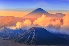 Bromo vocalno på soluppgång, East Java, Indonesien Arkivbild
