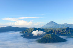 Bromo vulkan i Indonesien Arkivbilder