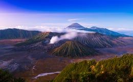 Bromo wulkan jest Aktywnym valcano w zmierzchu czasie Obrazy Royalty Free