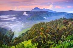 Bromovocalno bij zonsopgang, Oost-Java, Indonesië stock afbeeldingen