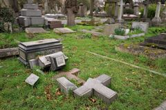 Free Brompton Cemetery Is A London Cemetery In The Royal Borough Of Kensington And Chelsea Stock Image - 171494591